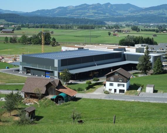 Neubau Gewerbehallen «Gläntern» an der Gewerbestrasse in Reichenburg