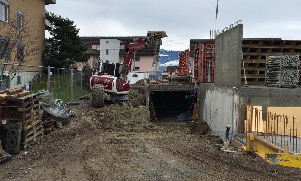 Wohnüberbauung an der Greithstrasse in Rapperswil: Hinterfüllung & Wände EG