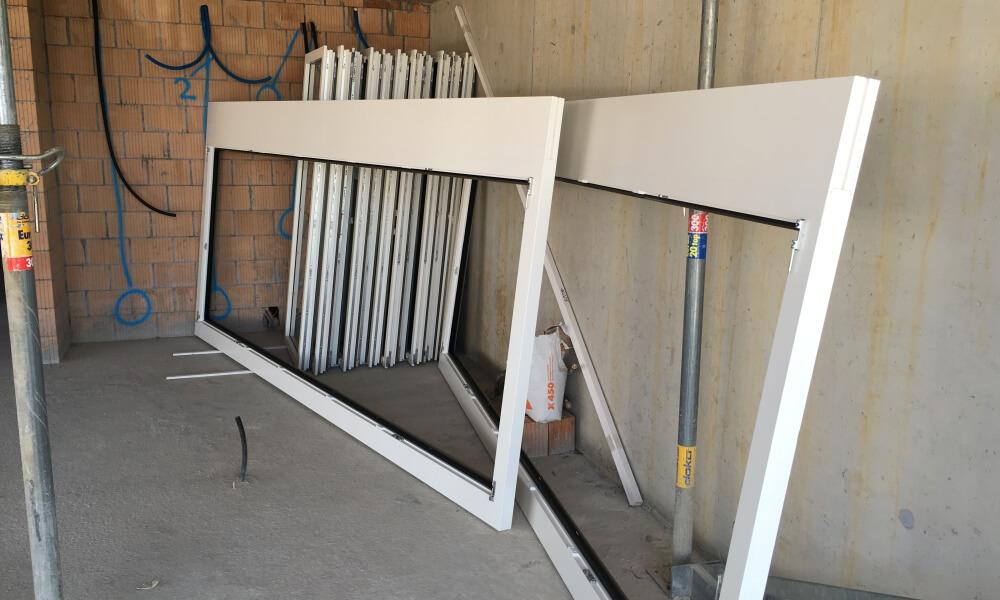 Wohnüberbauung an der Greithstrasse in Rapperswil: Fensterlieferung und Installationsarbeiten